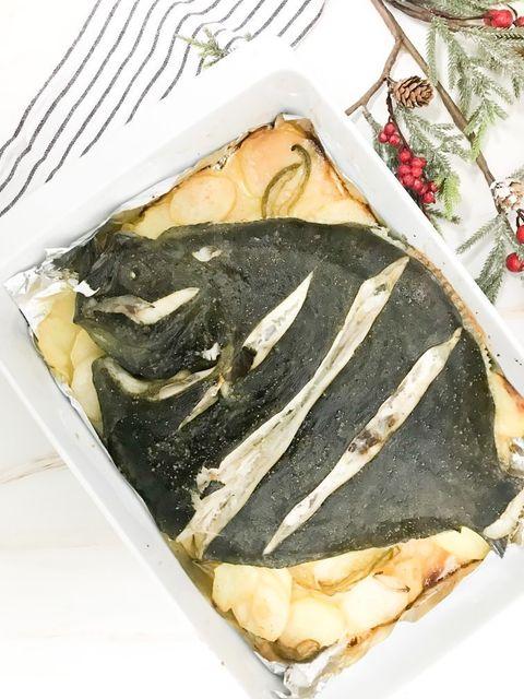receta sencilla, paso a paso, de rodaballo a la gallega, al horno con patatas panadera